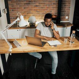 Eve Özel Çalışma Ortamı